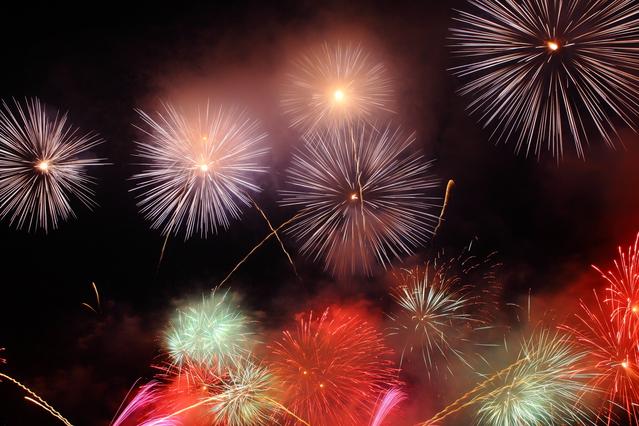 美しい花火大会のイメージ